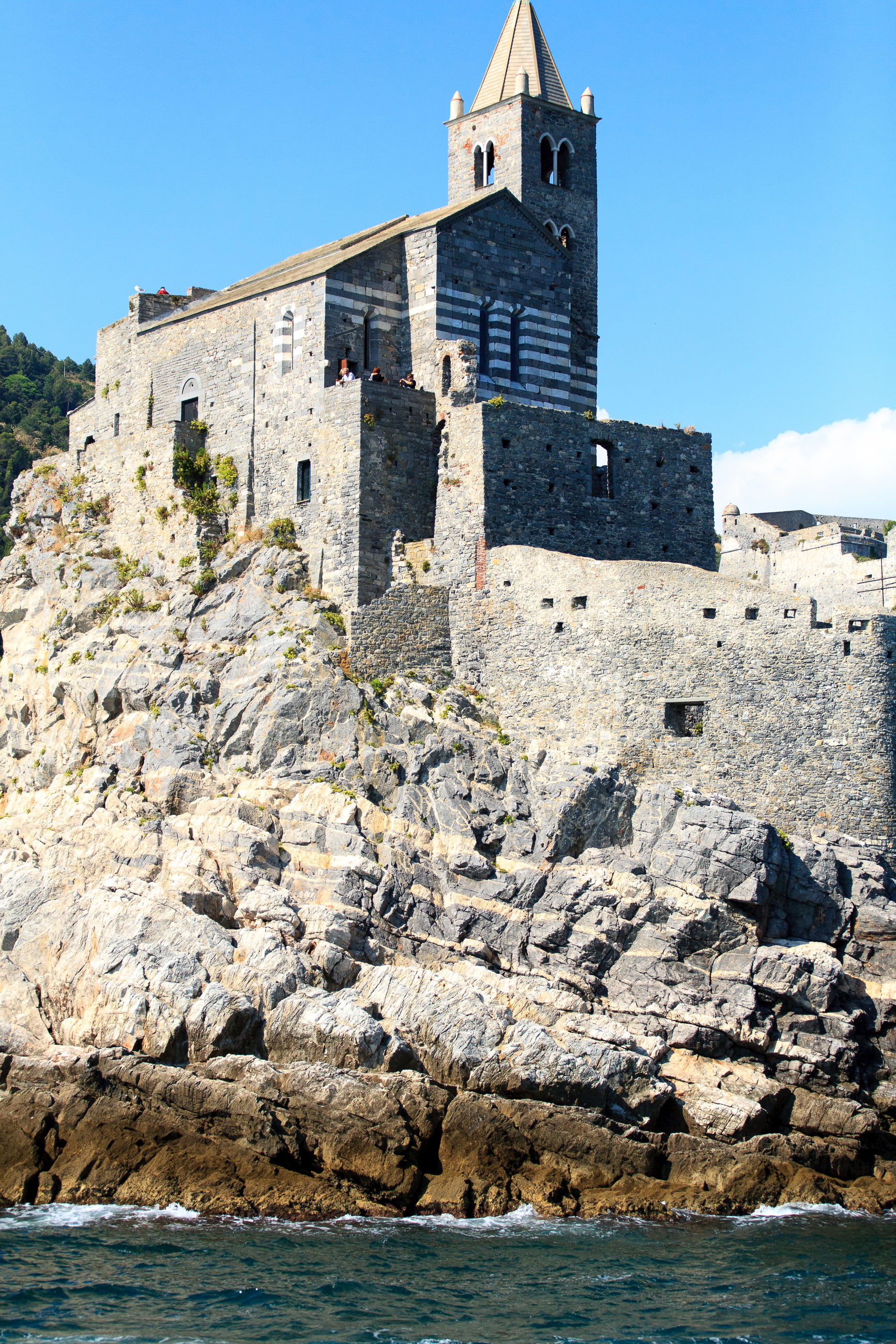 built structure, architecture, building exterior, clear sky, low angle view, outdoors, day, blue, medieval, no people, history, fortress, fortified wall, fort