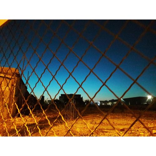 City Protection Clear Sky Safety Metal Security Chainlink Fence Sky