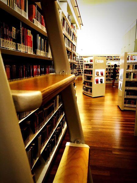 Bookshop Taking Photos Enjoying Life Relaxing Saturday Hanging Out Reflect Life IPhoneography Books Learning EyeEm EyeEm Best Shots EyeEm Gallery Eyeemphotography