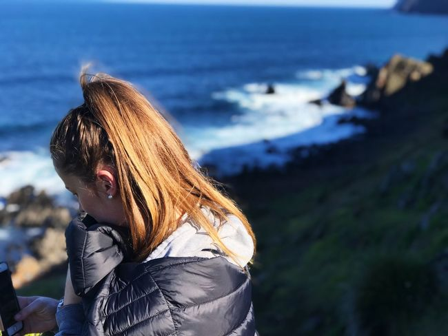 One Person Focus On Foreground Real People Nature Lifestyles Day Leisure Activity Outdoors Clothing Side View Hairstyle Sea Sky Beach Water Land Beauty In Nature Women