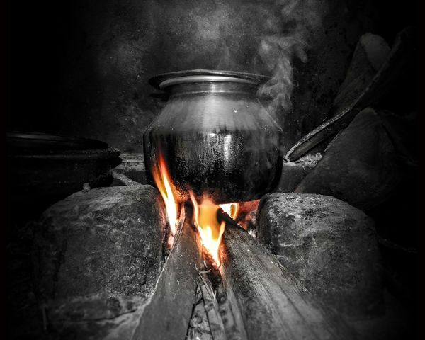 Fire Cooking Treditional Food Kerala India Nikon Cooking A Meal Treditional Houses