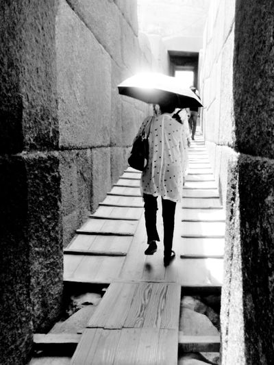 All Blackandwhite Monochrome People One Person Tourism Tourist Pyramid Giza Egypt Summer Throwback Vacations Architecture Ancient Civilization