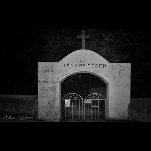 Mollösund Orust Döden Dod kyrkogård graveyard death bnw foto photo fotonavsjoskum