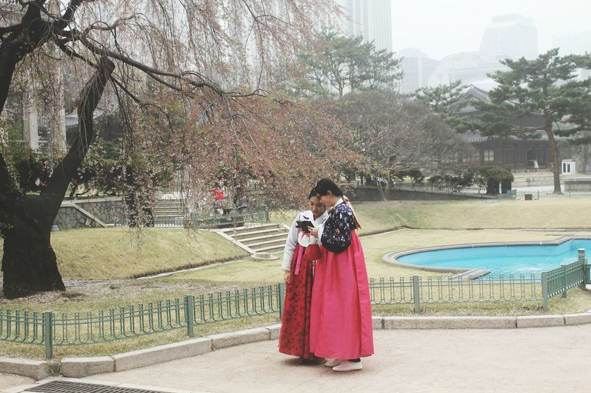 Seoul South Korea People Watching Selfies Traditional Clothing Spring