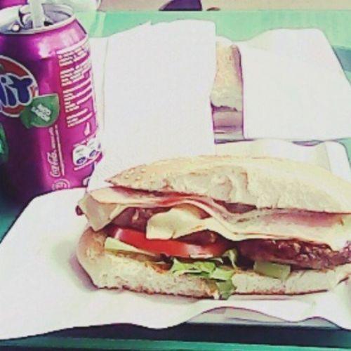 Nuestro almuerzo VIERNES :D Uniusm