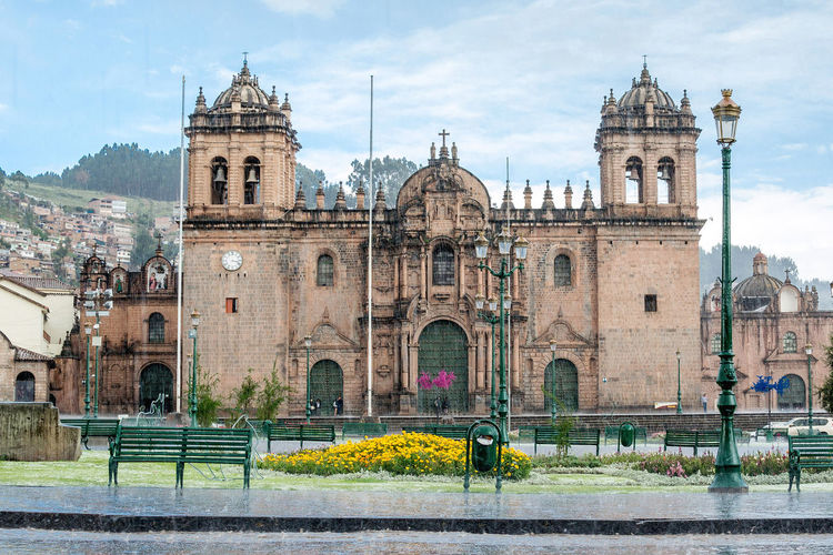 Church in the square of Cusco Architecture Building Exterior Built Structure Cathedral Church City Cusco, Peru Cuzco Famous Place History No People Outdoors Place Of Worship Religion Spirituality Travel Destinations Travel Photography Turistic Places Vacation Village