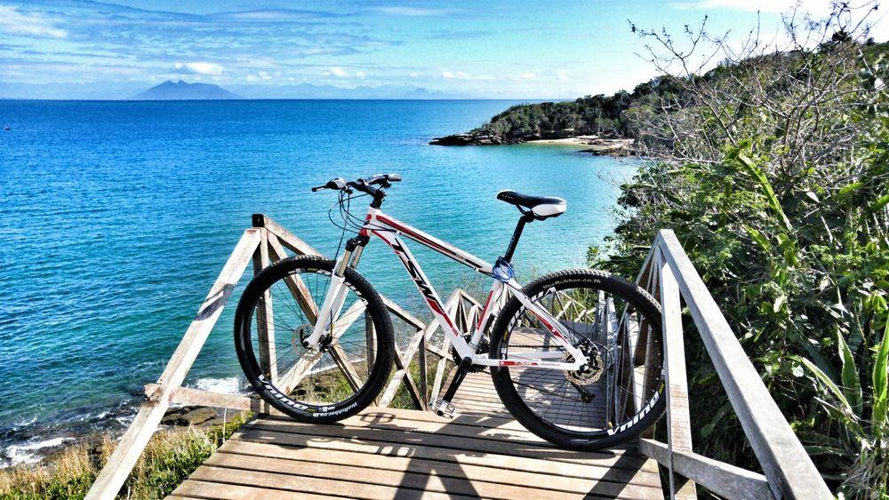 Hello guys 😊 Bicycle Mode Of Transport Tranquil Scene Sunny Outdoors Sunlight Blue Roadbike Bikers Strava Stravacycling Stravaphoto Tadaa Community Buzios Eye4photography  Photography Photooftheday
