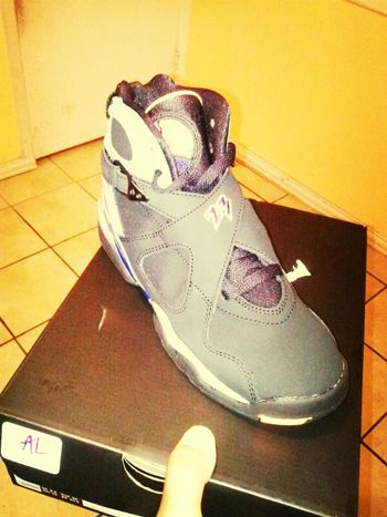 bought them hoes yesturday (: #hoes #to #fresh #jordans