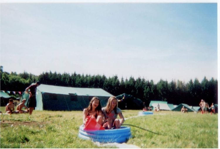 Relaxation Young Adult Young Women Summer Friendship Togetherness Freedom Vacations Field Tree Happiness Sitting Leisure Activity People Scout Scouting Scouts Summercamp Summer Time