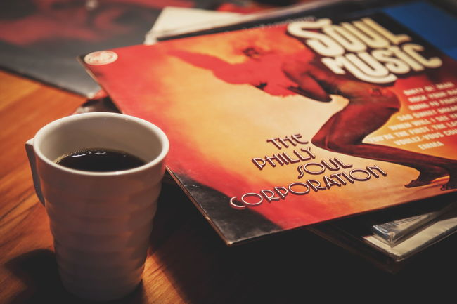 Coffee & Music Drink Close-up No People Indoors  Day Coffee Music Cafe Arts Culture And Entertainment Vinyl Mug Cup Coffee Time Eye4photography  Cover Record Vinyls Vinyl Records Istanbul