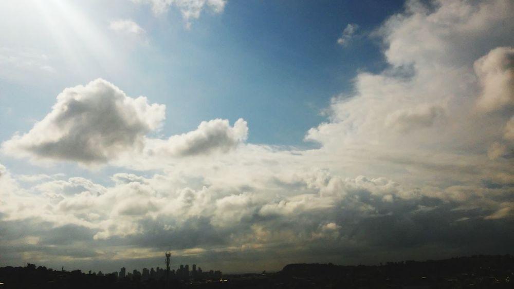 Good morning wooorrrlllldddd 😃🌞 Cheese! Hello World Sun Good Morning Look At This Sky!