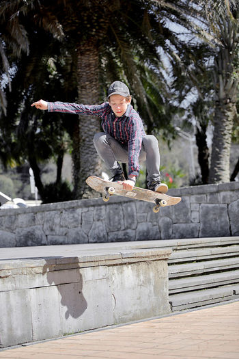 skateboard Sport Skate Skateboarding Skateboard Outdoor Outdoor Photography Boy Jump Jumping Stories From The City Inner Power Go Higher Adventures In The City The Street Photographer - 2018 EyeEm Awards A New Beginning Skate Photography: Same Tricks, New Perspectives Streetwise Photography