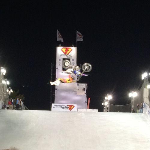 Superman seatgrap backflip At Freestyle.ch