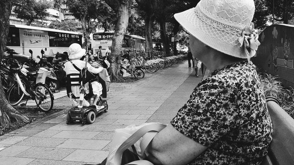 #daily #snapshot #documentary #all_shots #takeaphoto #focus #capture #moment #blackandwhite #bnw #monochrome #photography #instapic #streetphotography #insta_bw #film #bw_photooftheday #photooftheday #bw #documentary #bw_society #taipei #streetlife #shooting#instagood#shoot_film#life #ig_streetphotography#light #film_photography Documentary Daily Snapshot All_shots TakeAPhoto Focus Capture Moment Blackandwhite Bnw Monochrome Photography Instapic Streetphotography Insta_bw Film Bw_photooftheday Photooftheday Bw Bw_society Taipei Streetlife Shooting Instagood Shoot_film Life Ig_streetphotography Light Film Photography