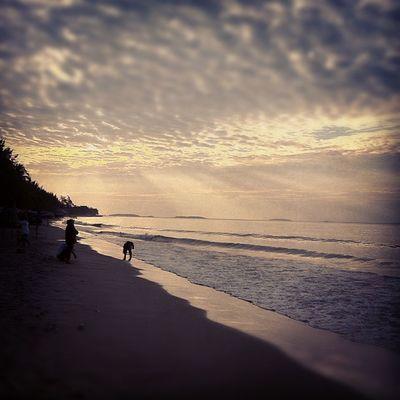 อากาศยามเช้า ชายทะเล แหลมแม่พิม