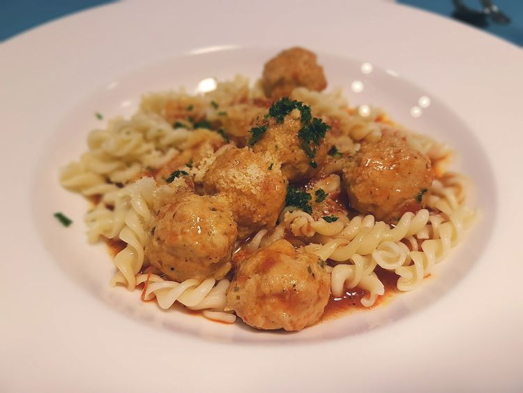 Spaghetti chicken meat ball with parmesan cheese S7Edgecamera S7edgethailand Newtonphotograph Nt.life StamfordInternationalUniversity IhmStamford Foods
