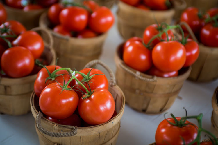 Farmers Market Market Basket Cherry Tomato Close-up Container Focus On Foreground Food Food And Drink Freshness Fruit Healthy Eating Herb Indoors  No People Raw Food Red Ripe Spice Still Life Table Tomato Tomatoes Vegetable Wellbeing