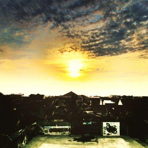 Hari paling cerah dari hari yang lain - Jum'at Instanusantaramedan Instanusantara InstanusantaraHDR Horasmedan
