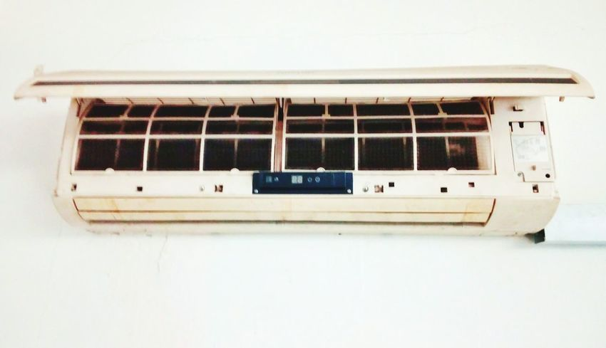 Aircond damages Old-fashioned Transportation Retro Styled No People Day Outdoors Close-up aircond Damage Interior