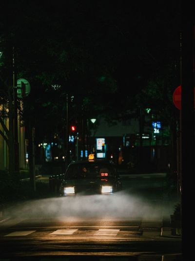 福岡-日本 EyeEm Best Shots Vscocam VSCO Olympus Photography Japan Night Illuminated Transportation Car Street Street Light Road