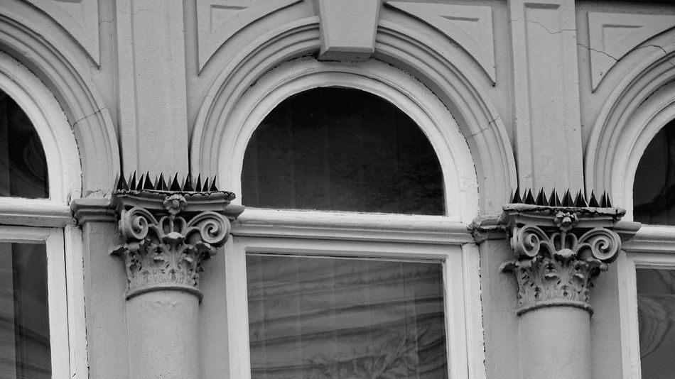 Architecture Arch Architectural Feature History Bas Relief Built Structure Marble Carving - Craft Product Ornate Door Building Exterior Day Yellow No People Architectural Column Travel Destinations Close-up Outdoors
