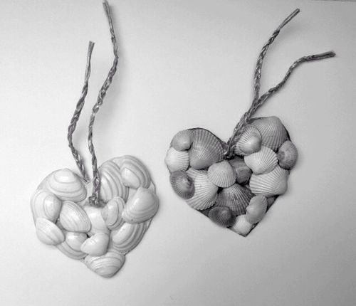 Hearts Heart Shape Love Pair Two Of A Kind Two Hearts Blackandwhite Art Craft Lovely Lovelovelove Loveit Love♥ Shell Shell Art Black And White Black & White Blackandwhite Photography Shades Of Grey Shadows & Lights Be Creative Handmade Pure Special