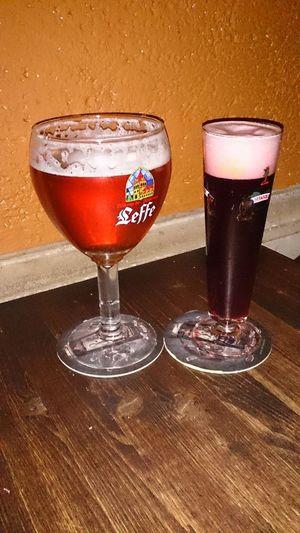 Tomando una Cerveza en una Taberna en Leon