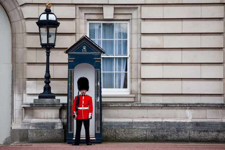Buckingham Palace England Guard Guard House London Protection Queen Queen's Guard Royal Royalty Soldier Uk Market Reviewers' Top Picks
