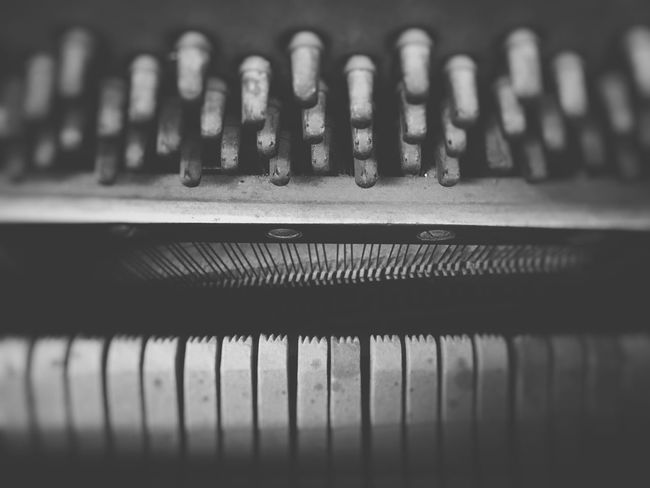 When a piano sings Close-up Technology Music No People Indoors  Musical Instrument Flat Black Piano Piano Lover Piano Interior Music Blackandwhite Black And White IPhone IPhoneography Blur Backgrounds Old Piano Old-fashioned Classic Classical Music Jazz Music Piano Internals Day Sound Recording Equipment