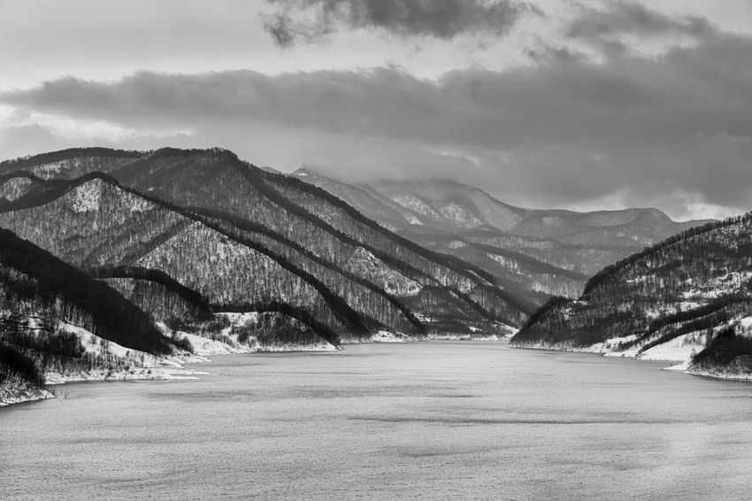 Curves Lake View Nature_collection Bkackandwhite Blackandwhite Photography Winter It's Cold Outside Showcase : January Outdoors Frozen Snow Made In Romania Winterscapes Cold Temperature Minimalobsession Sky And Clouds