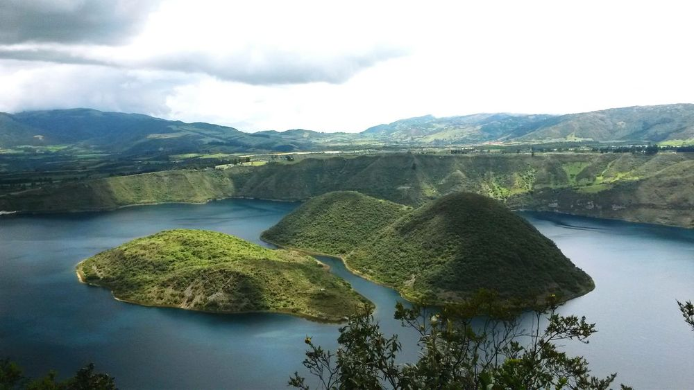 Quicocha in Ecuador♥ Ecuadoramalavida Nature Lake Landscape Water Outdoors Beauty In Nature Refraction Sky Amazing View Tranquility Peace Of Mind Wandern Wanderlust Travelling MyWorldInPictures Travel Destinations