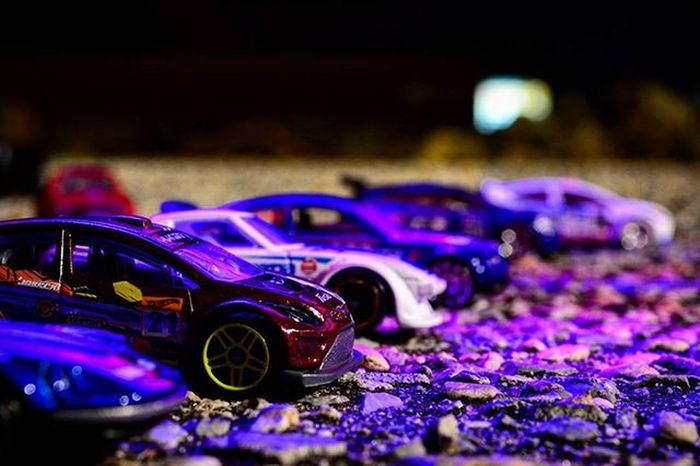 Street racing every Sunday night..Toyonlocation Toy_nerds @hotwheelsofficial Toy_realism Toyoutsiders Toys_afterdark Toygroup_alliance Nightphotography Toptoyphotos Mattel HotWheels Matchbox Tinycars Streetracing Honda Ford Bmw Nissan VW Mazda _tyton_ Toydiscovery Diecast Toystagram Toyphotography Lazyshutter photooftheday