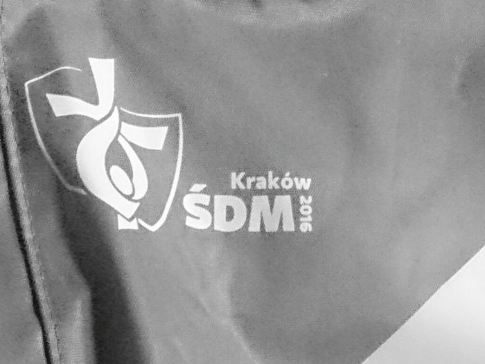 Go To Krakow Krakow,Poland śwatowe Dni Młodzieży Lets Go  Photography Challenge day2 Hello World Hanging Out Check This Out Hi! World 2016 Letsgo !! And I see you!😉