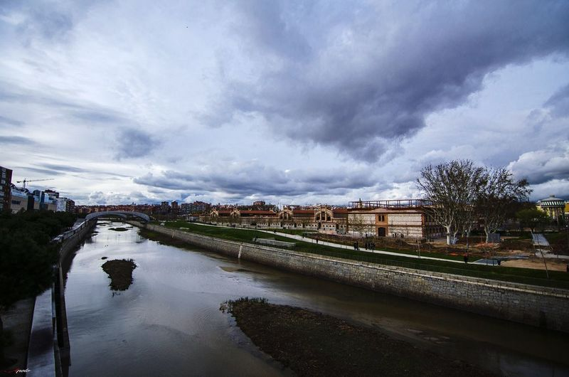Río manzanares Madriz Water Mountain City Agriculture Cityscape River Sky Landscape Cloud - Sky Mountain Range
