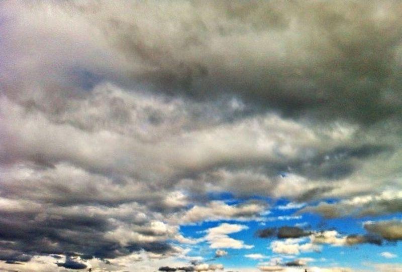 Tarda d Novembre Cloudporn Skyporn Sky_collection Cloud_collection  estar als núvols ebaeeix de la realitat