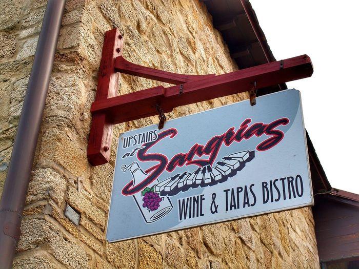 Signs Wine