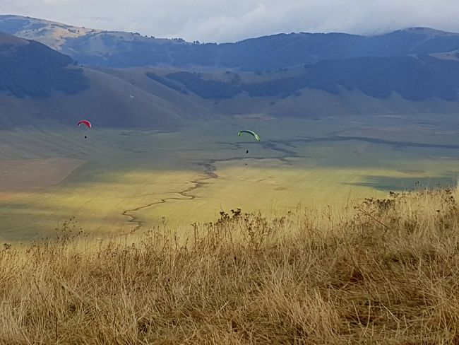 Paragliding Castelluccio Nature Skylovers Italy Sport Outdoor Mountainview Valley View