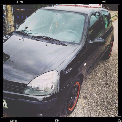 Clio Black