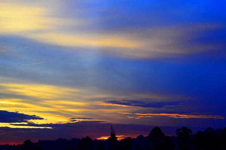 A Wonderful Sunrise on the Equator Line Colourful Skyline Colourful Sky Colourful Sunrise Sunrise Sky Sky Only Moody Sky Romantic Sky Heaven Wispy Atmospheric Mood Visual Creativity
