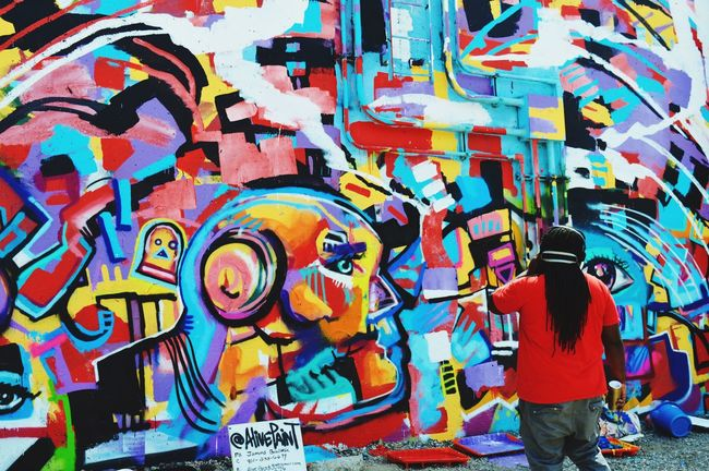 Paint Louis 2016 Art Graffiti Art Flood Wall Artists At Work Artist Point Of View Enjoying The Moment Taking Pictures Hanging Out Vibrant Colors Mo Lost In The Landscape