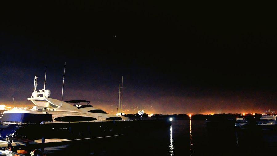 Yahtclub Sea Night Illuminated Water Sky