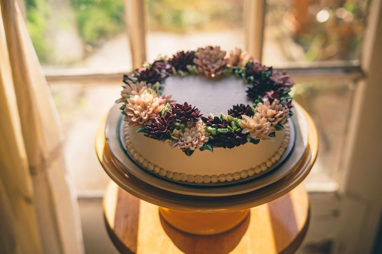Flower cake Celebration Wedding Dessert Cake Indoors  No People High Angle View Close-up Home Interior Focus On Foreground Freshness Flower Sweet Food Ready-to-eat Food Day