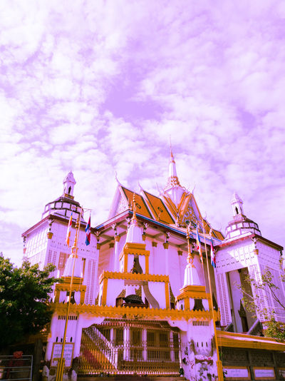 Built Structure Architecture Building Exterior Sky Outdoors P9 Huawei 3XSPUnity Religion Pagoda Building Buddhism Place Of Worship P9