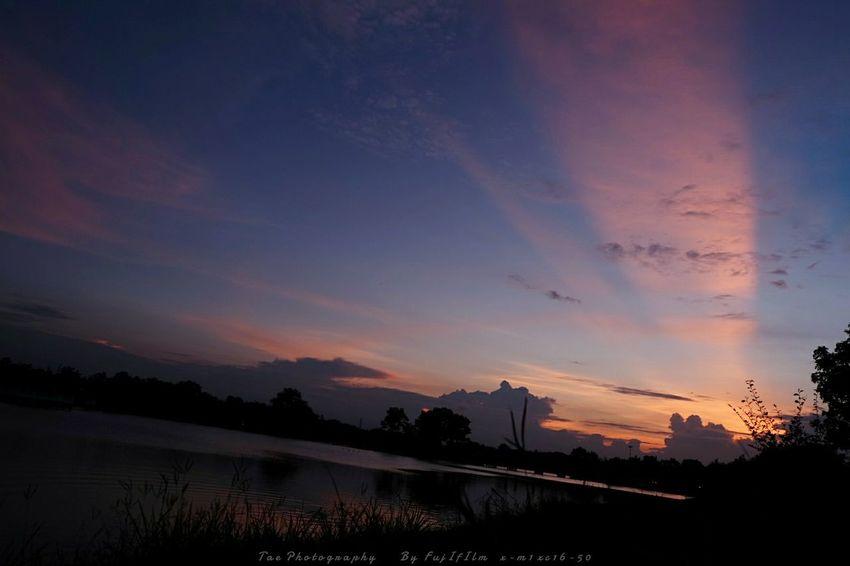 แสง สี กับที่เก่าๆ Relaxing Taking Photos Enjoying Life Nature Fujifilm X-m1 Sunset Summer Views EyeEm Thailand The Moment - 2015 EyeEm Awards Hello World
