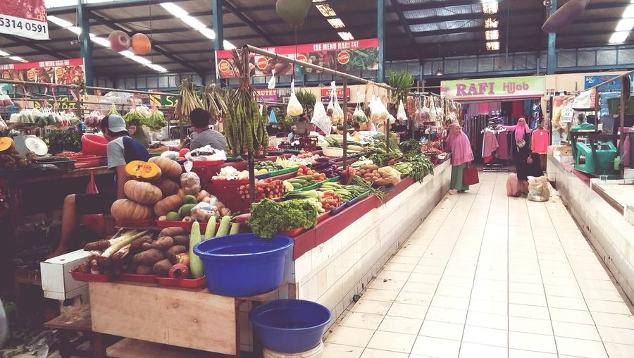 Indonesian traditional market Market Food And Drink Market Stall Retail  Healthy Eating Store Large Group Of Objects Fruit Freshness Business Day Indoors  People Supermarket City First Eyeem Photo