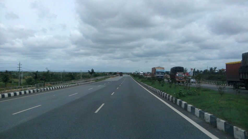 Indian highways... Highway Photography Highways&Freeways Highwayscape Road Trip Roads Roadsidephotography Vehicle Part Vehicles