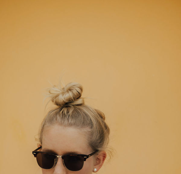Memories Plants Work Working Writing Abstract Hair Bun Headshot Minimalism Monsteria One Young Woman Only Simple Simplicity Stationary Summer Template White Background Workspace Yellow