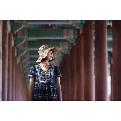 가을빛 스며드는 오후 🌝 경복궁 궁커플 The light and @by.becky Everycornerofpalace Gyeongbokgung