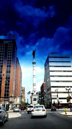 Driving Around the City of Allentown, P.A United States. Statue Monument Taking Photos Buildings National Bank Enjoying Life Travelling Taking Photos