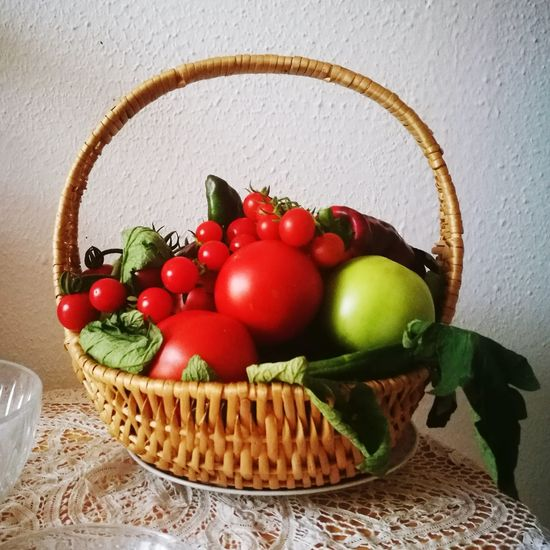 Foodhistory Basket Food And Drink Fruit Healthy Eating No People Freshness Red Tomatoes🍅🍅 Cherry Tomatoes Salad Food Stories